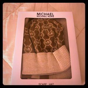 MK scarf & hat